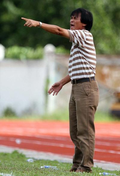 HLV Lại Hồng Vân từng là cầu thủ Đồng Tháp, cùng lứa với Trần Công Minh, Huỳnh Quốc Cường.