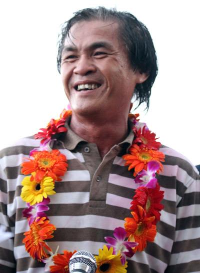 Năm nay 52 tuổi, ông Lại Hồng Vân có thành quả đầu tiên trong nghiệp HLV.