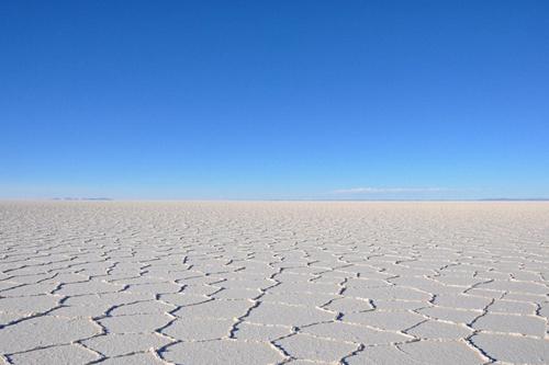 Vào mùa đông, muối đóng lại mịn như cát.