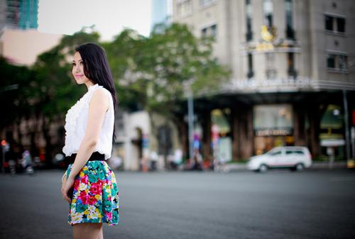 Lê Hà đang sống tại TP HCM. Cô chia sẻ, lý do khiến cô vào Nam là theo tiếng gọi của tình yêu. Tuy nhiên, mối tình ấy
