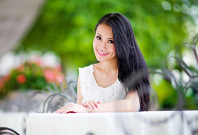 """Tuy vậy, Lê Hà cho rằng mình không phải là người """"sống thoáng"""", ngược lại, khi yêu ai cô cũng xác định chuyện lâu dài và mơ ước được đeo nhẫn cưới từ tay người ấy."""