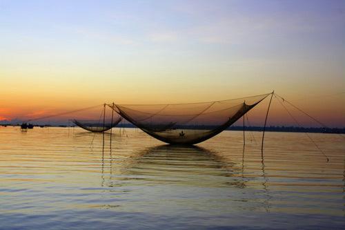 Bình minh trên sông Hàn, Đà Nẵng.