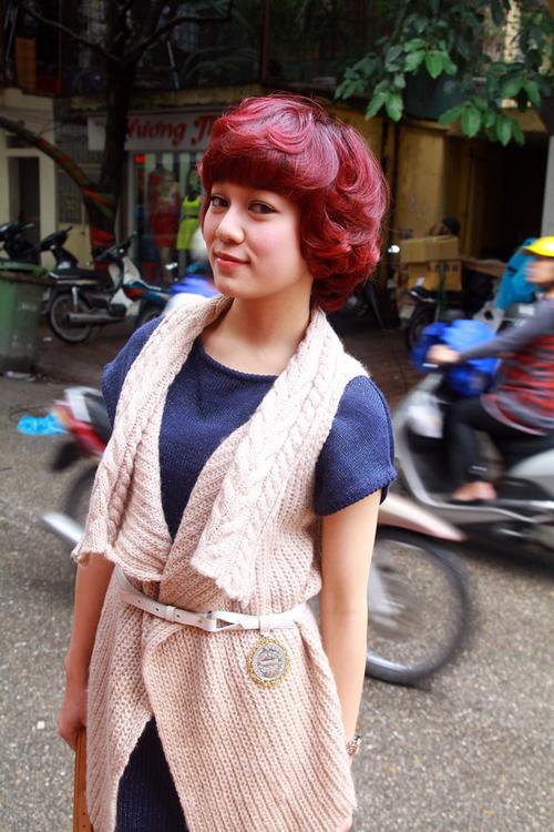 Sao Mai Hà Hoài Thu ngày càng xinh đẹp và sành điệu. Mái tóc mới khiến cô thêm phần cá tính và ngổ ngáo.