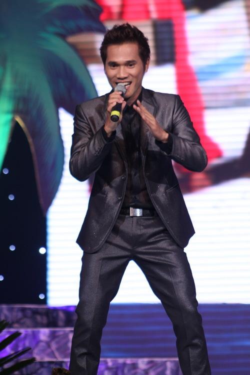Nam ca sĩ Lương Viết Quang cũng tham gia chương trình. Anh hát Mùa xuân đến từ những giếng dầu, cũng là ca khúc gắn bó với nghề nghiệp của anh. Hiện, Lương Viết Quang là nhân viên của Tập đoàn dầu khí Việt Nam. Tối qua, chương trình cũng thu được tới hơn 6,5 tỉ đồng để làm từ thiện.