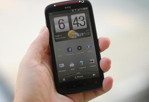 Màn hình của Sensation XE rộng tới 4,3 inch, hỗ trợ độ phân giải qHD.