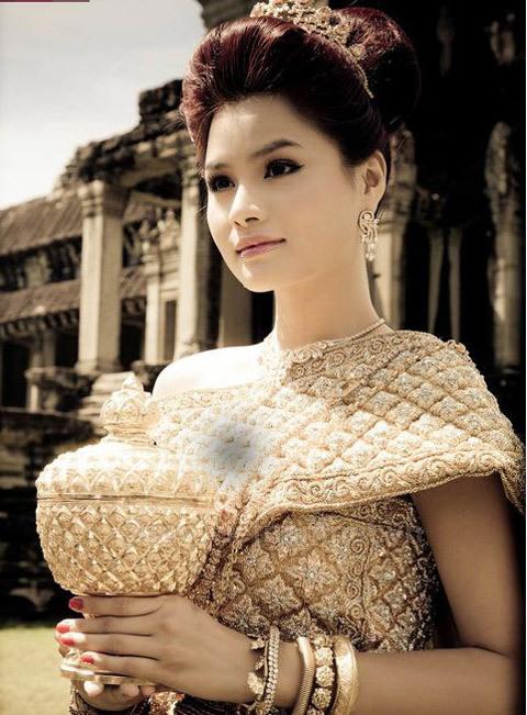 Ảnh cưới chụp tại Angkor Wat do nhiếp ảnh gia Thành Nguyễn chụp.