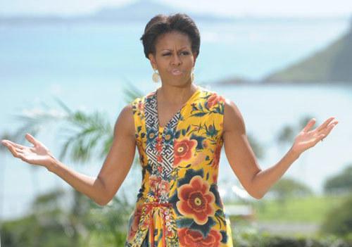 'Chủ nhà' Michelle tiếp đón các vị khách quý bằng những cử chỉ thân mật và cởi mở. Sau khi chụp ảnh lưu niệm cùng Đệ nhất phu nhân Mỹ, các quý bà ăn trưa cùng nhau.