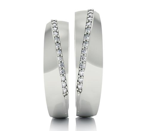 Nhẫn cưới Phú Quý cũng là một thương hiệu có nhiều mẫu nhẫn đẹp, giá cả trung bình cho các cặp đôi chọn lựa.