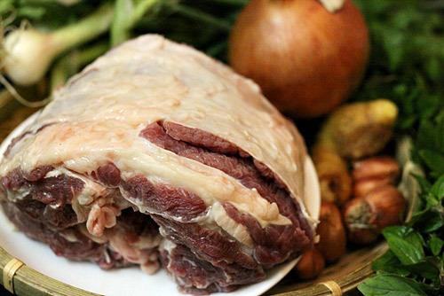 Thịt bò.