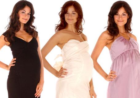 Thông thường váy cưới màu trắng được các cô dâu ưa chuộng. Tuy nhiên, các màu sắc khác cũng rất đáng để thử.