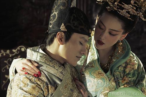 Nói về vai diễn này, bản thân Trương Hinh Dư cũng thừa nhận, sự ràng buộc giữa nhân vật của cô và thái giám không dễ dàng giải thích.