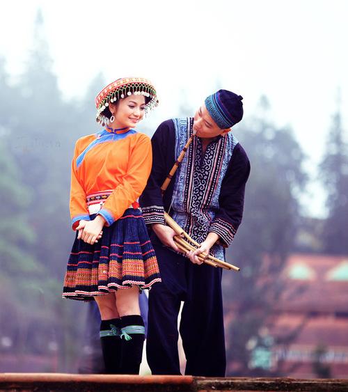 Ngay khi ông xã Trần Ngọc Linh ngỏ lời cưới, cặp đôi đã lên Sapa để thực hiện loạt ảnh cưới theo nhiều ý tưởng khác nhau