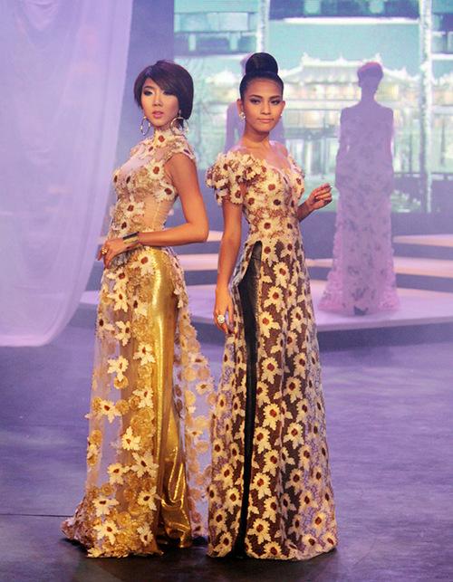 Trương Thị May còn giới thiệu nhiều mẫu áo dài cách tân khác của nhà thiết kế Hoàng Hải cùng chân dài Ngọc Quyên.