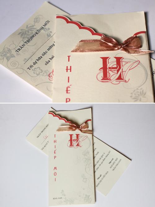 Ngoài ra, hiện cũng có nhiều loại thiệp truyền thống biến tấu, ví dụ như chiếc thiệp giống như phong thư, bên trong có một tờ giấy riêng ghi thời gian, địa điểm đám cưới. Giá thành của loai thiệp cổ điển biến tấu này cao hơn, từ 7.000 đồng tới 10.000 đồng.