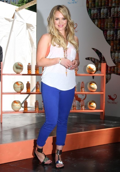 Hilary Duff, ngôi sao một thời của Disney, cao 1,55m.