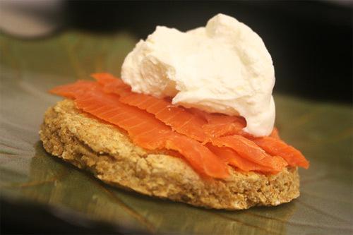 Người Scotland có món bánh hoa quả, bánh yến mạch đầu năm.