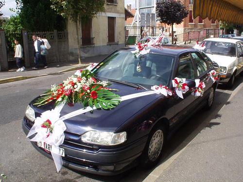 Với những mẫu hoa trang trí xe cô dâu trên đây, bạn chỉ cần lựa chọn mẫu mình thích nhất và đưa ra yêu cầu với người trang trí hoa để có được chiếc xe ưng ý nhất trong ngày cưới.