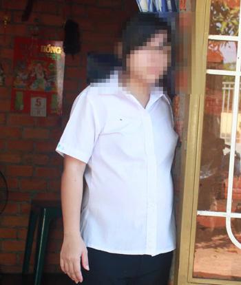 Bé Nga, nạn nhân của yêu râu xanh Lê Văn Kim, đang lo lắng cho những ngày làm mẹ sắp tới của mình. Ảnh: Chế Bắc