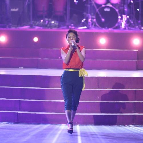 Văn Mai Hương thể hiện Nếu như anh đến. Cô ca sĩ trẻ cũng được xướng tên ở hạng mục Nữ ca sĩ mới xuất sắc.