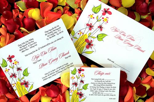Thiệp cưới hoa văn ấn tượng