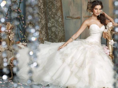 Cô dâu sẽ trở thành nàng công chúa đẹp xinh với chiếc váy bồng bềnh.