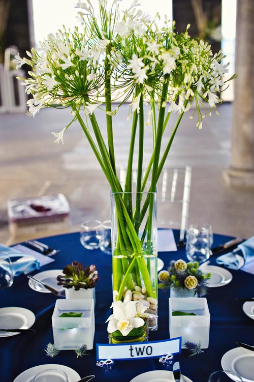 Những loại hoa mọc thành từng chùm sẽ giúp bạn dễ cắm hơn.