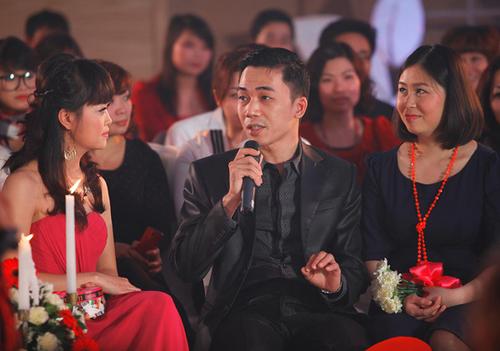 Vợ chồng nhạc sĩ Đỗ Bảo cũng tham gia chương trình với tư cách khách mời giao lưu. Nhạc sĩ của những bức thư tình khá e ngại khi đề cập đến chuyện riêng tư.