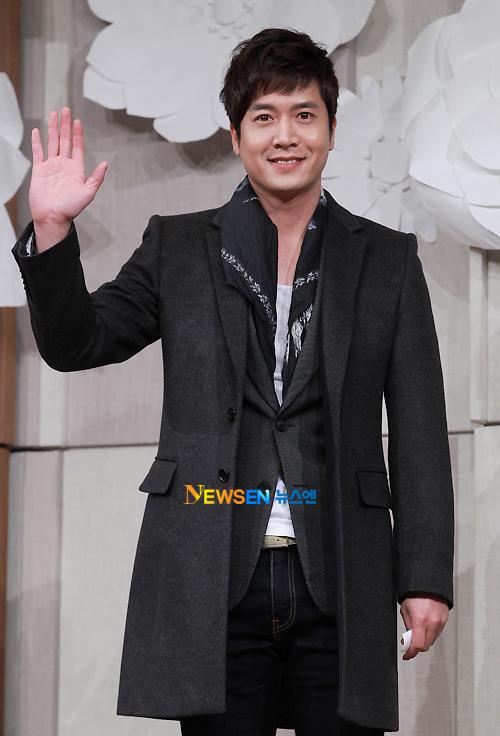 """Jo Hyun Jae, ngôi sao phim """"49 ngày"""", """"Chỉ riêng mình em""""..."""