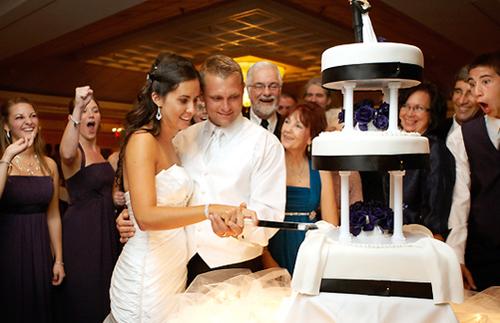 Mời khách `thông minh` để đám cưới tiết kiệm