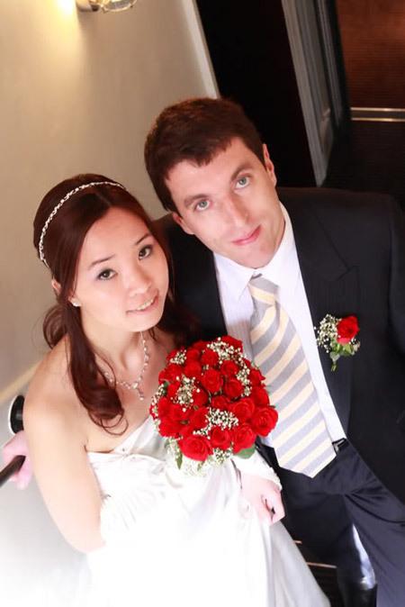 Vợ chồng tôi giảm thiểu nhiều thủ tục cưới do hoàn cảnh
