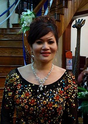 Bà Nguyễn Thị Liễu, mẹ chú rể Huy Hoàng.