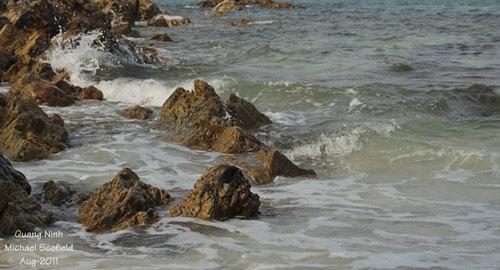 Biển Quan Lạn còn hoang sơ như chưa có bàn tay con người tác động