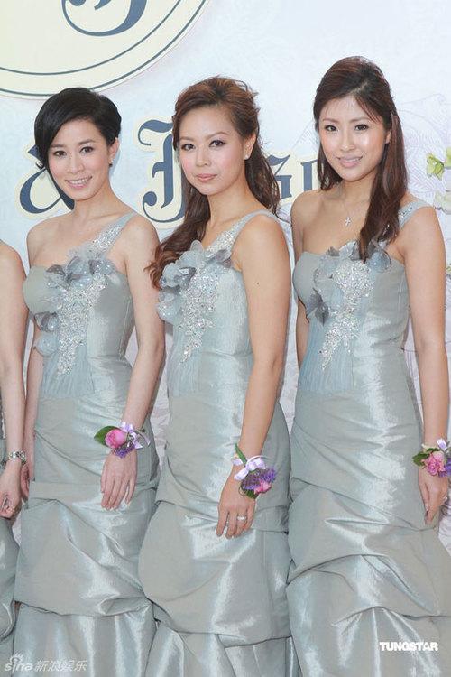 Dàn phù dâu đều là những gương mặt quen của làng giải trí Hong Kong.