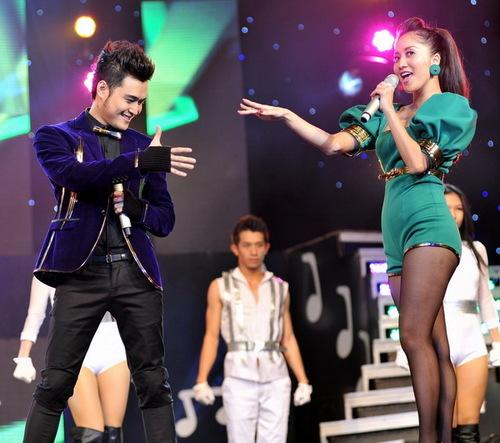 Cặp đôi Quang Vinh  Khánh Thi tiếp tục khuấy động sân khấu với ca khúc Ngỡ như thiên đường bằng những màn khiêu vũ ấn tượng.