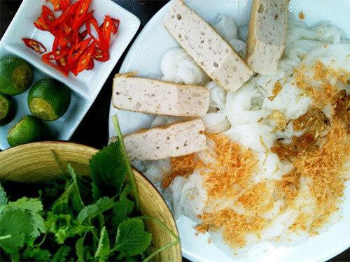 Bánh cuốn Thanh Vân 14 Hàng Gà, Gia An 25 Thái Phiên.