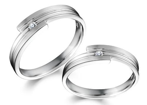 Chọn nhẫn bạch kim hay vàng trắng