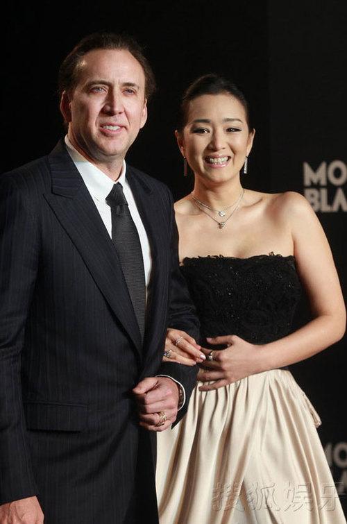 Là hai khách mời quan trọng tại buổi tiệc giới thiệu sản phẩm mới của hãng Mont Blanc được tổ chức tại Thượng Hải,