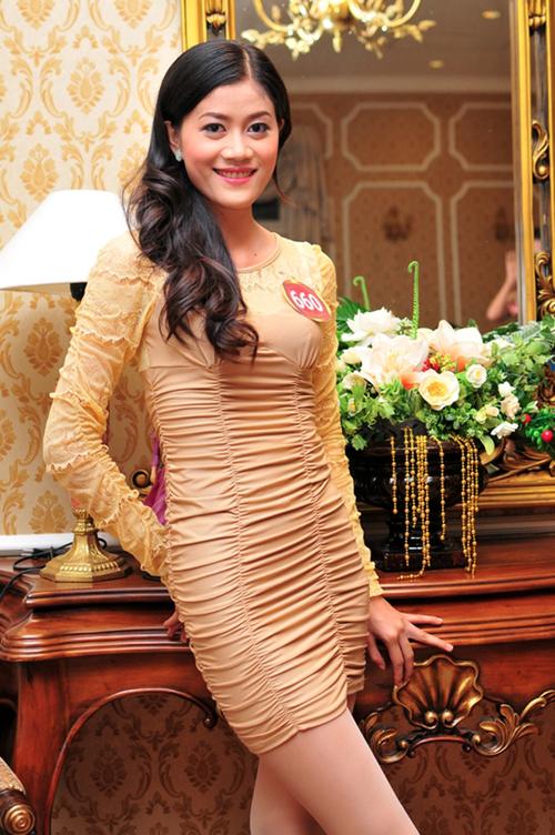 1. Lâm Thị Thúy SBD 0075 với thành tích lọt vào top 20 Hoa hậu Việt Nam 2010, tham gia nhiều cuộc thi như Hoa hậu nam Mekong, Hoa khôi Biển Tây. Cô là một người đẹp đến từ miền đất đồng bằng.