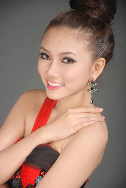 11. Lê Minh Thy Thơ, sinh viên ĐH Cần Thơ, chiều cao 1m69