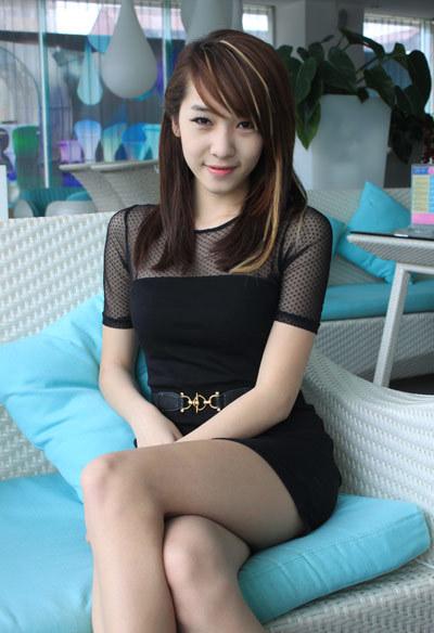 Emily tên thật là Nguyễn Hương Ly