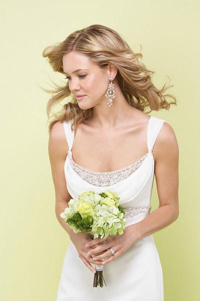 Nên gội đầu trước đám cưới một ngày để sau một đêm, các sợi tóc con