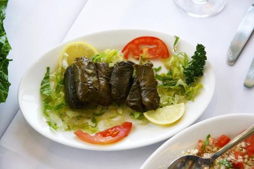 Một loại bánh của Trung Đông và cũng có vị chua.
