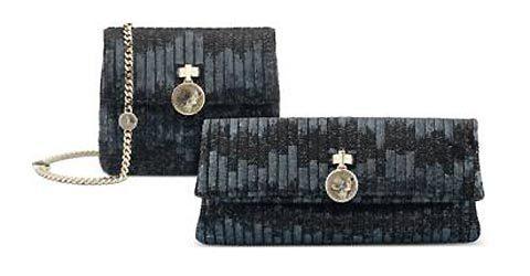 Bvlgari đã làm nên những mẫu túi và ví dự tiệc Monete từ những đồng tiền xu cổ La Mã có trước công nguyên.