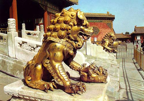 Tượng sư tử ở Tử Cấm Thành - Bắc Kinh.