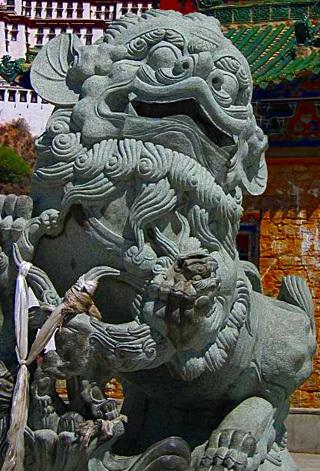 Sư tử Tuyết gác Điện Potala Tây Tạng.