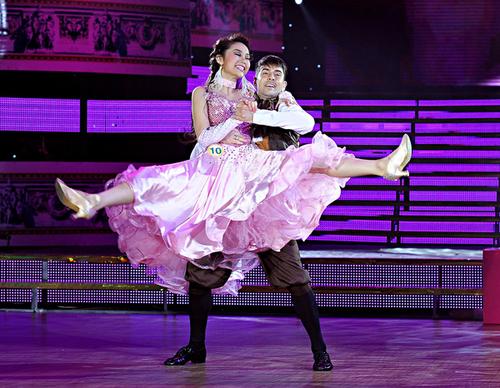 Giám khảo Chí Anh còn nói, sau khi xem Minh Hằng nhảy, anh cho rằng, không chỉ con gái mới thích búp bê mà con trai cũng sẽ thích.