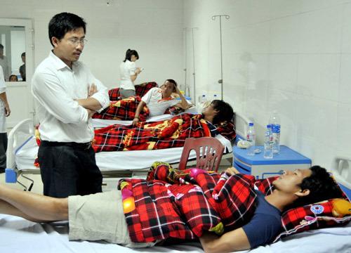 Sự cố bất ngờ khiến 11 cầu thủ Đà Nẵng nhập viện.