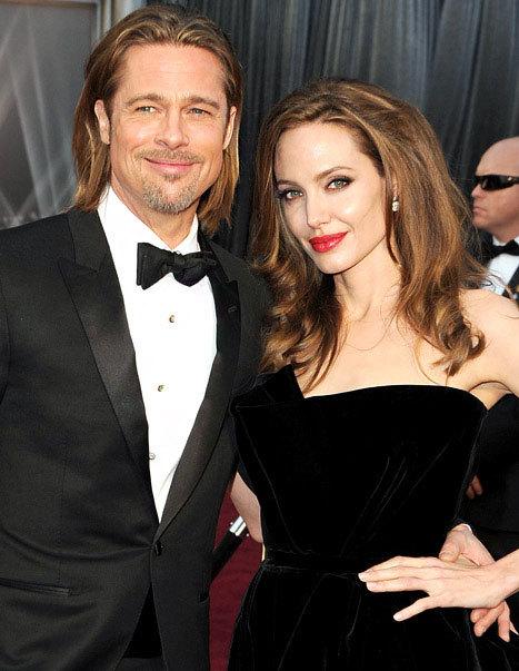 Angelina và Brad tham dự lễ trao giải Oscar 2012.