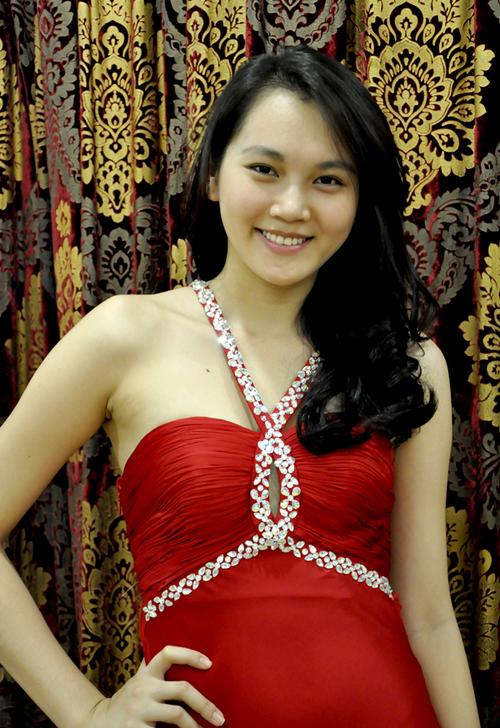 Ngọc Thạch được xem là ứng cử viên sáng giá cho ngôi vị cao nhất trong cuộc thi nhan sắc này.
