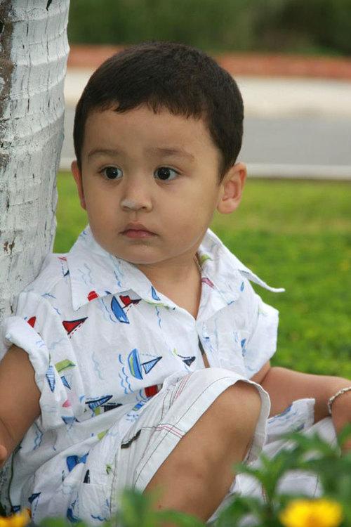Bé Paul Thiên Mitchell, sinh ngày 21/11/2009, nick name là Rum. Con thích xem hoạt hình Tom và Jerry, xem chị Xuân Mai hát.